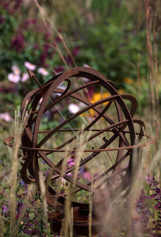 Sfera armillare completa da giardino. Complete armillary sphere for garden